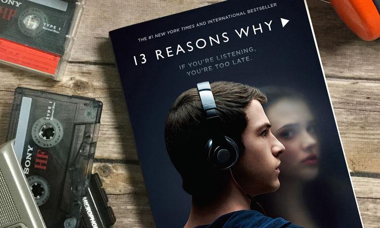 por trece razones diferencia libre serie